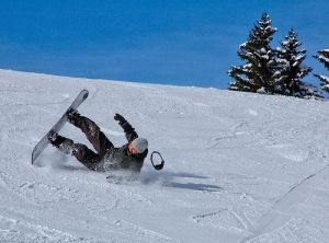 snowboarder-crash-and-burn